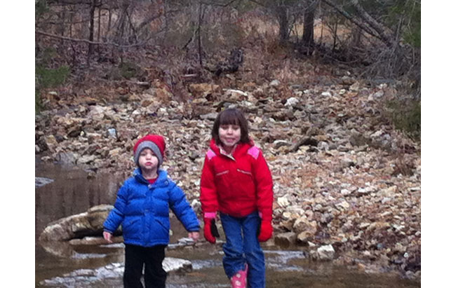 Kids_in_creek